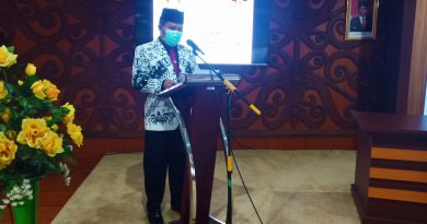 Hari Guru Nasional HUT PGRI Nadiem Makarim Anwar Sansusi