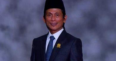 Vaksinasi Pengajar Kota Bontang Bakhtiar Wakkang DPRD Kota Bontang