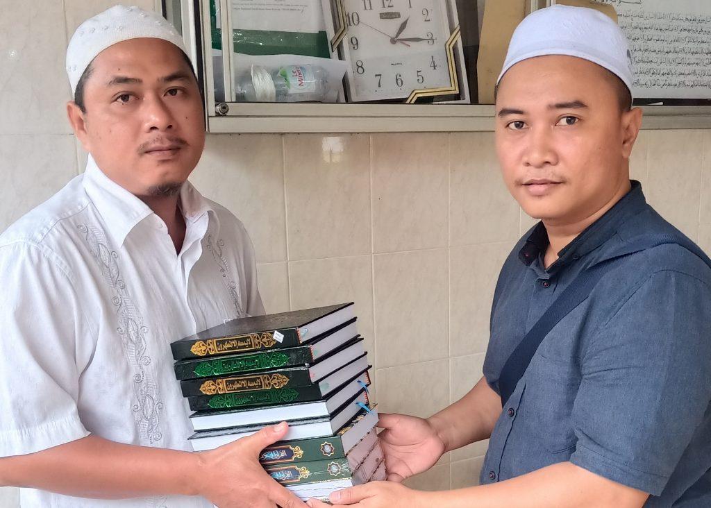 KUE Bersyukur K.U.E Abe Arif Wakaf Al-quran Habar Kaltim.co.id