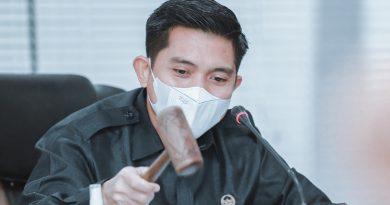 Andi Faizal Sofyan Hasdam Parcel Lebaran DPRD Bontang