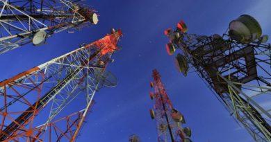 Telekomunikasi Rusli Annur